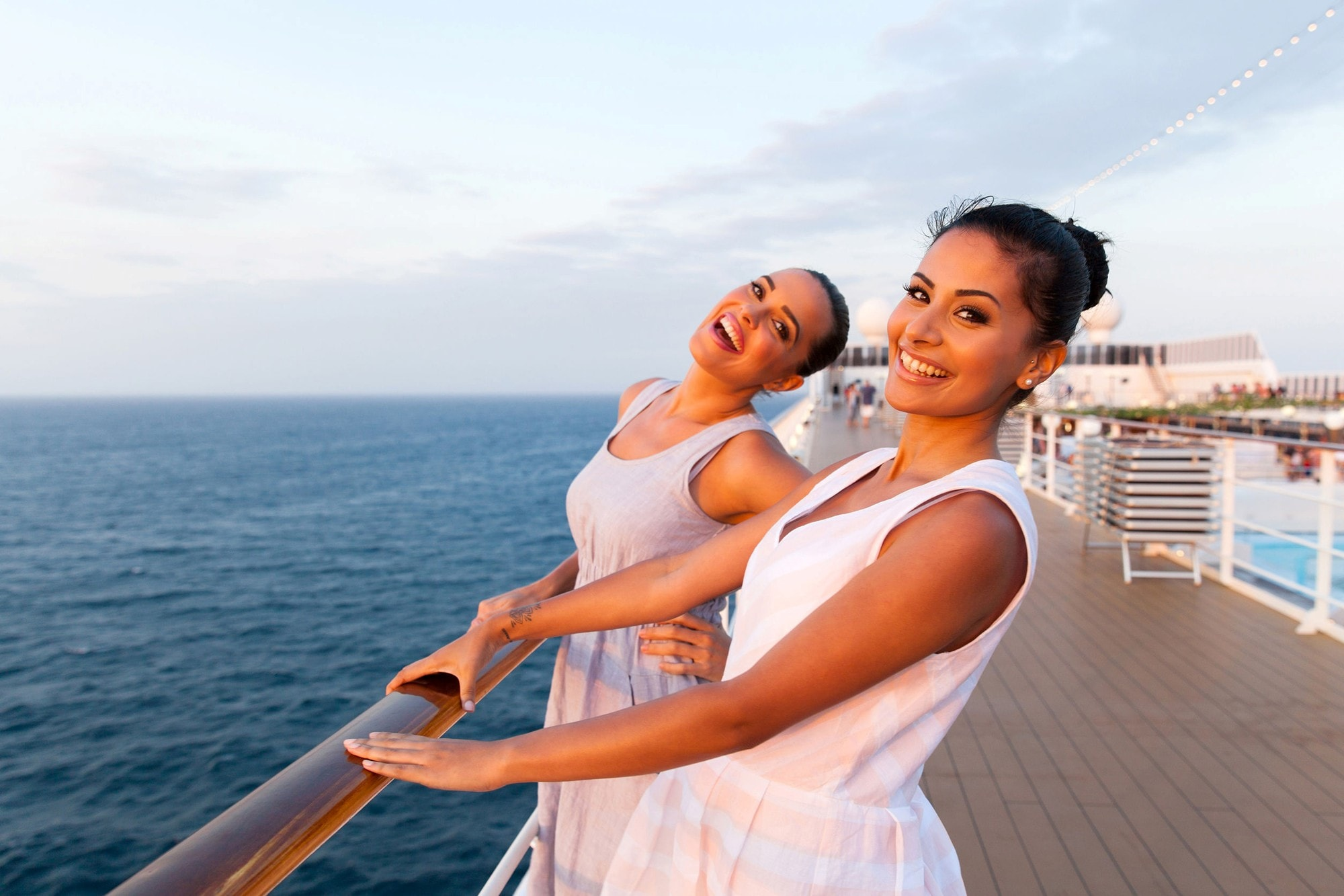 Cruise Travel Agent in Chicago has Great Deals on Cruises Everyday - Sunset Travel & &Cruise