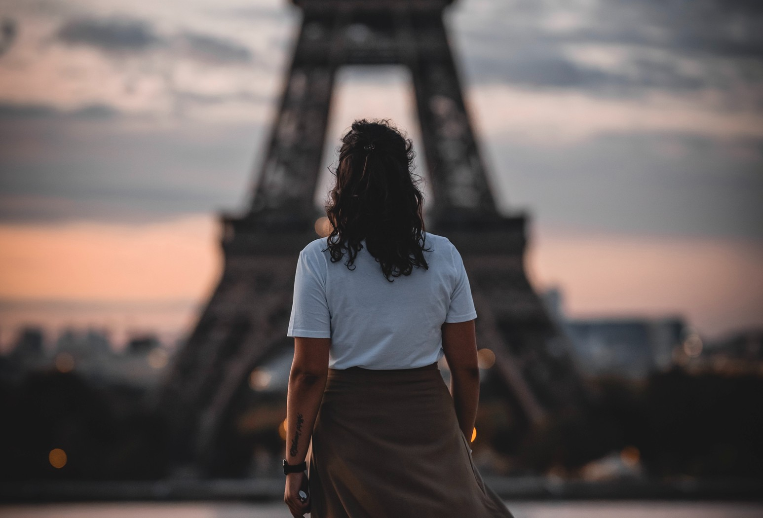 Expertly Crafted Tips to Enjoy the Eiffel Tower from Sunset Travel and Cruise right in Lincoln Park Chicago, IL 60614
