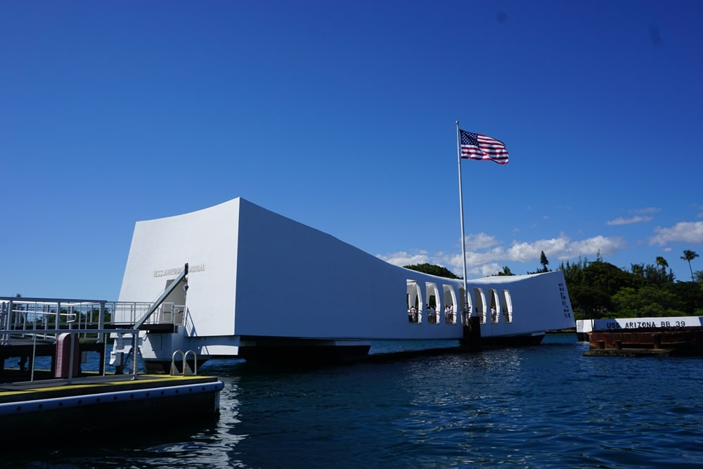 Travel Agency for Pearl Harbor Family Vacation - Sunset-Travel.com