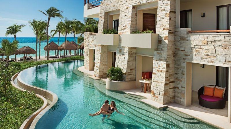 Swim Up Suites at Secrets Akumal Resort - Sunset-Travel.com