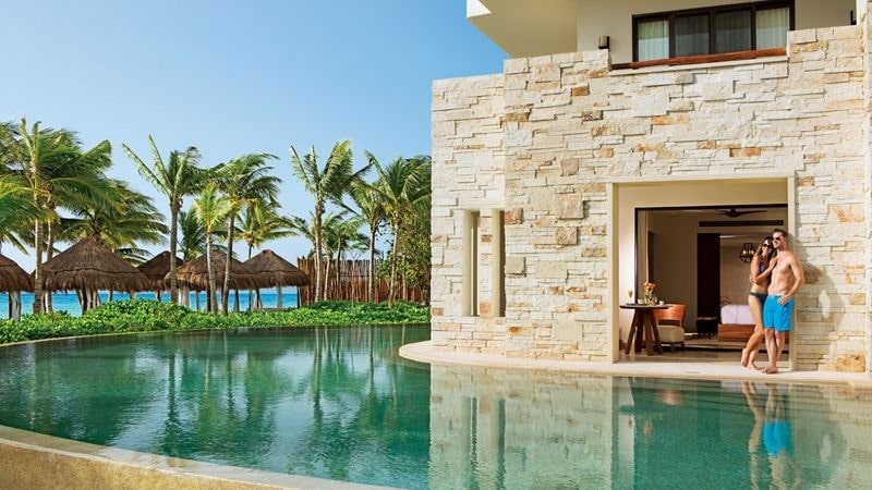 Resorts with Swim-Up Suites - Sunset-Travel.com