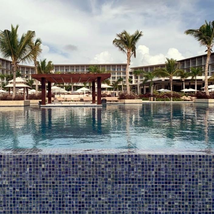 Zilara Pool Area - Sunset-Travel.com