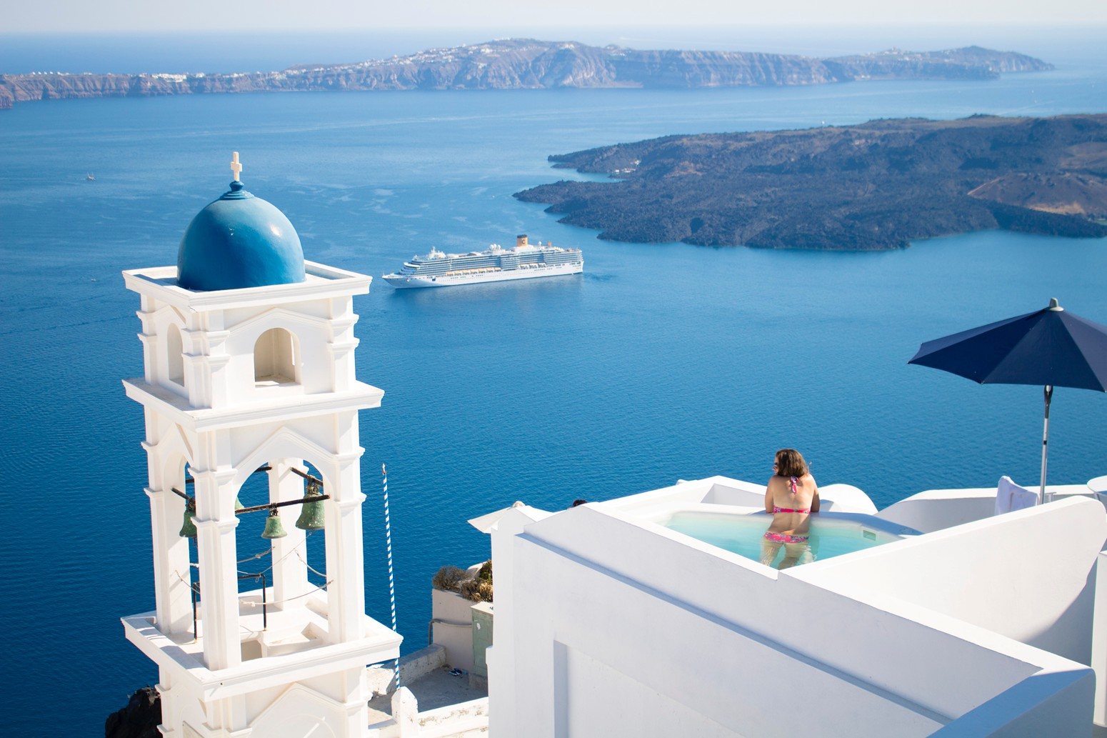 Traveling to the Greek Islands with Expert Tips from Sunset Travel & Cruise Chicago IL 60614